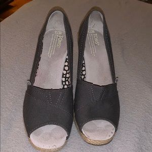 Like new Toms wedges size 7.5 W